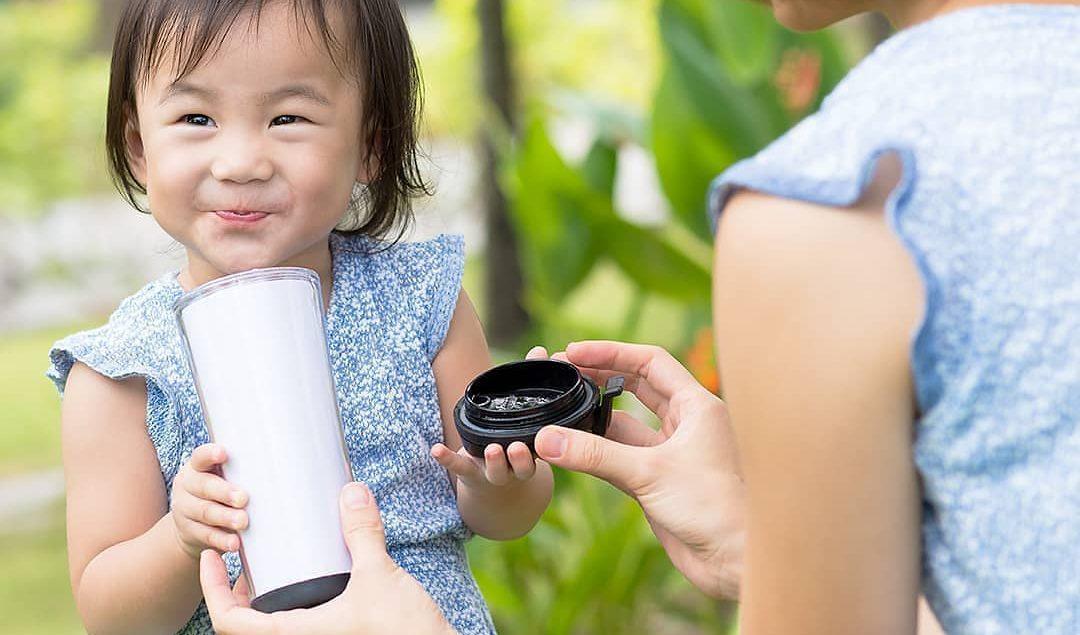 Mengenalkan gaya hidup sehat pada anak itu ternyata mudah lho.  Kita bisa memulainya dengan hal keci...