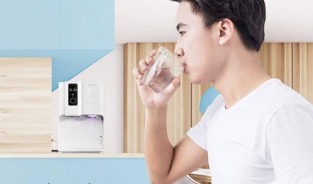 Menurut Institute of Medicine's Food and Nutrition Board, wanita membutuhkan air 2,7 liter per hari,...